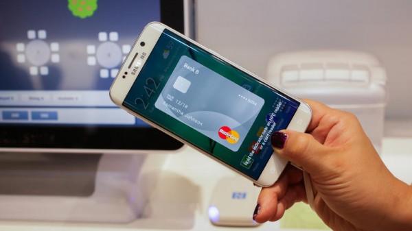 Samsung Pay в России: названа дата запуска сервиса